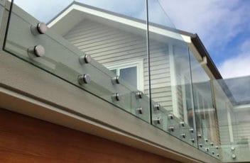 rotule-balustrada-szklana