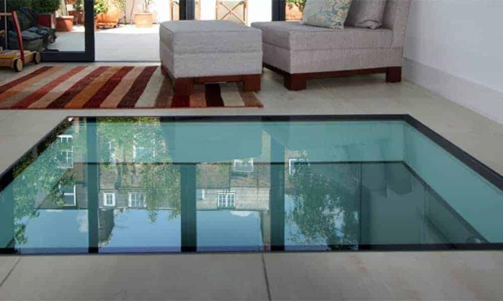 Szklane podłogi oraz szklane schody